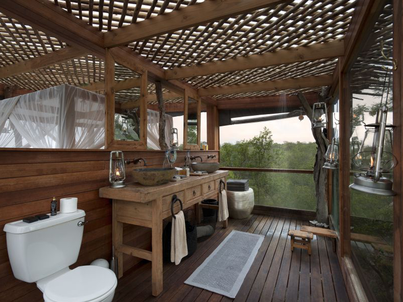 Pembury Tours - Lion Sands - Kingston Treehouse - Sabi Sands Game Reserve - Kruger National Park - Accommodation - Bathroom