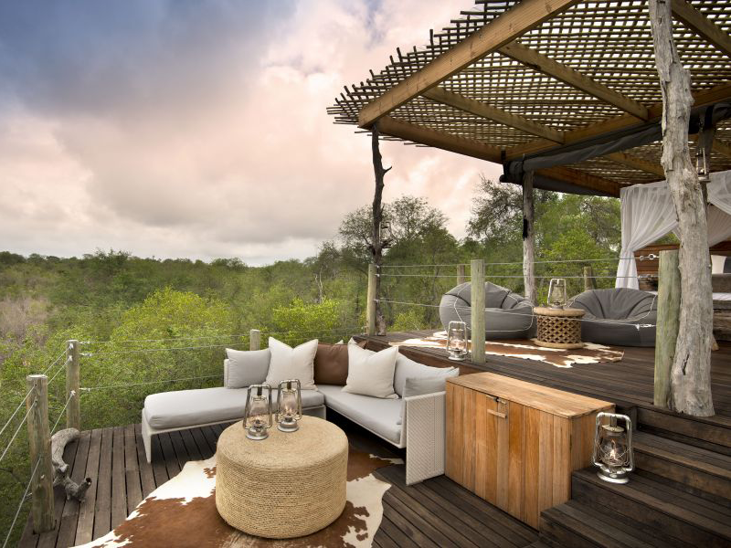 Pembury Tours - Lion Sands - Kingston Treehouse - Sabi Sands Game Reserve - Kruger National Park - Accommodation - Deck