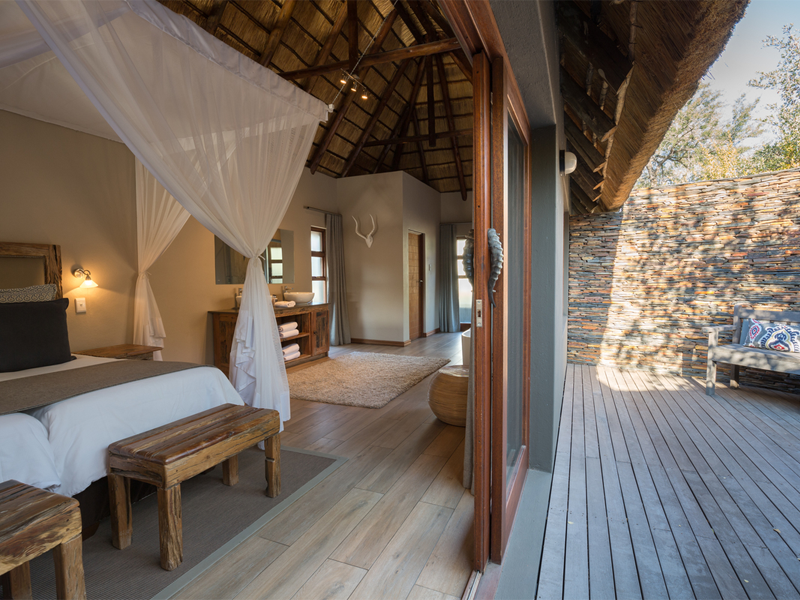 Pembury Tours - Arathusa Safari Lodge - Sabi Sands Game Reserve - Kruger National Park - Accommodation - Bedroom & Deck