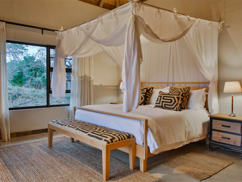 Pembury Tours - Makanyi Private Game Lodge - Timbavati Game Reserve - Kruger National Park - Accommodation - Bedroom