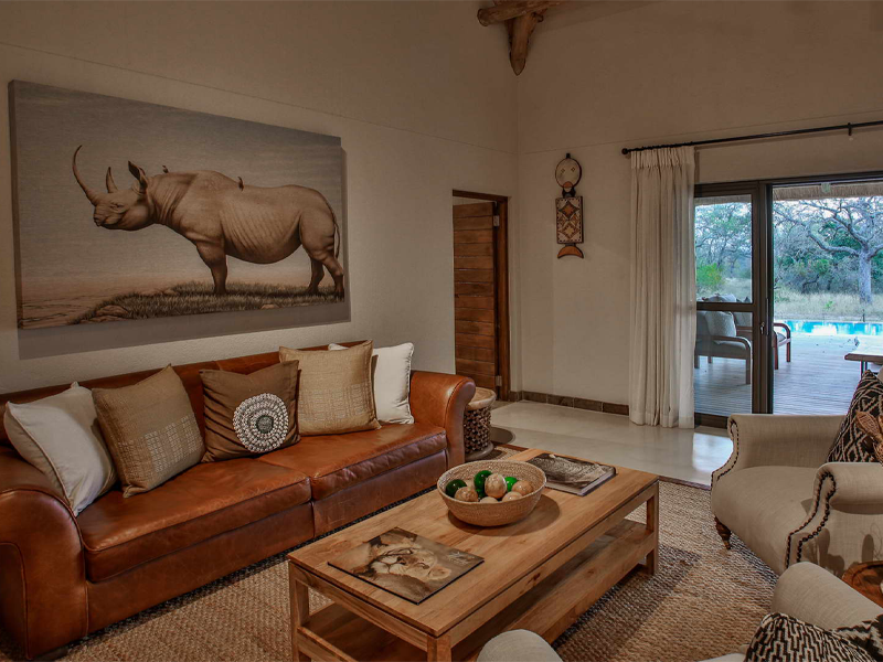 Pembury Tours - Makanyi Private Game Lodge - Timbavati Game Reserve - Kruger National Park - Accommodation - Lounge & View